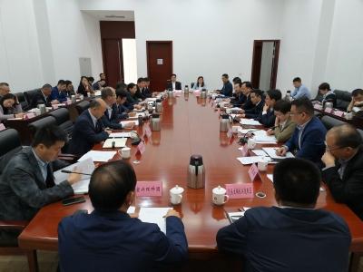 陆志坚主持召开全市三季度外贸运行分析会